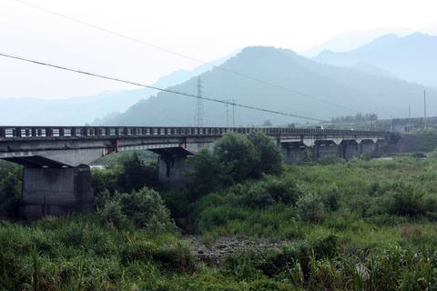 20100914アクアリウム休日(流木採取)橋1.JPG