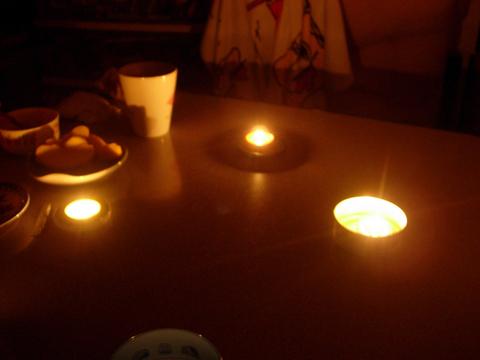 20110318アクアリウム(計画停電/輪番停電)灯りろうそく.JPG